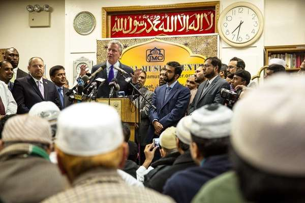 Mayor Bill de Blasio arrived at the Masjid