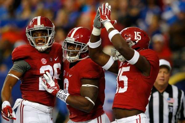 Running back Bo Scarbrough #9 of the Alabama