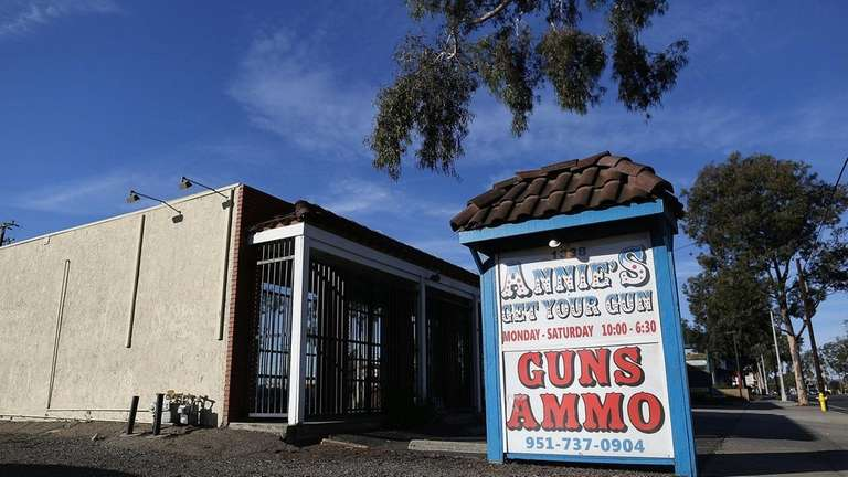 The exterior of Annie's Get Your Gun store