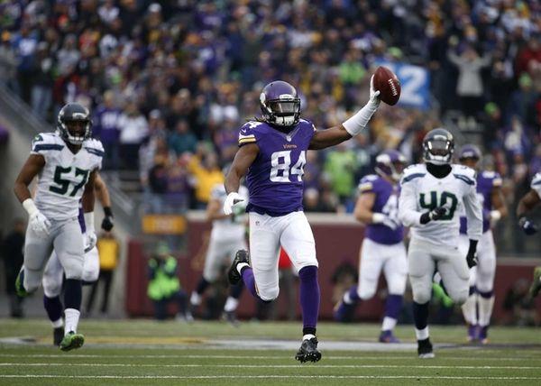 Minnesota Vikings wide receiver Cordarrelle Patterson (84) raises