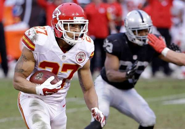 Kansas City Chiefs defensive back Tyvon Branch (27)