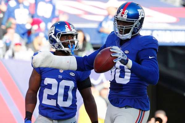 New York Giants defensive end Jason Pierre-Paul celebrates