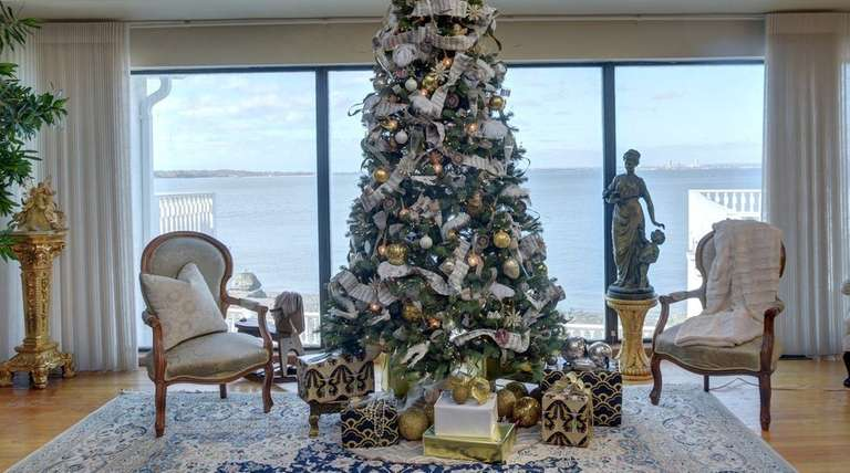 Shirin Woods designed this Gold Coast Christmas tree,