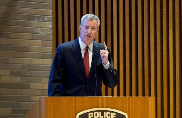 New York City Mayor Bill de Blasio announces