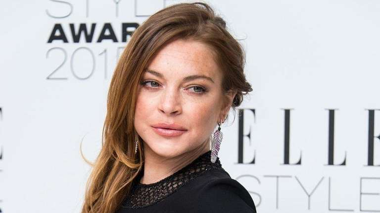Lindsay Lohan made surprise performance on stage