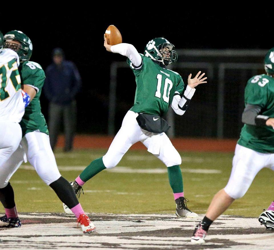 Lindenhurst, Sr. Quarterback