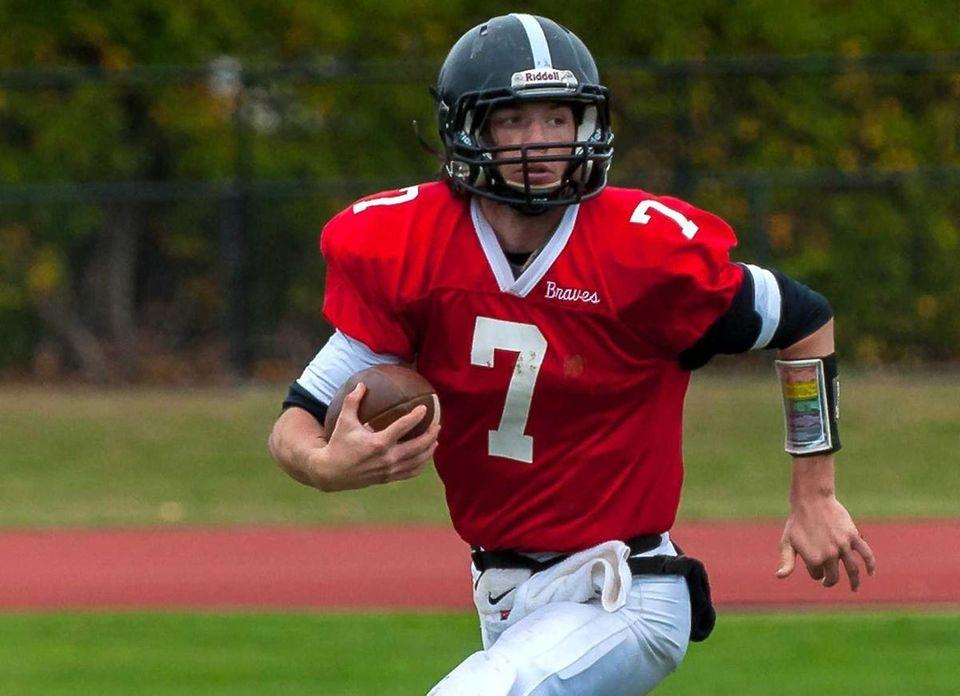 Syosset, Sr. Quarterback