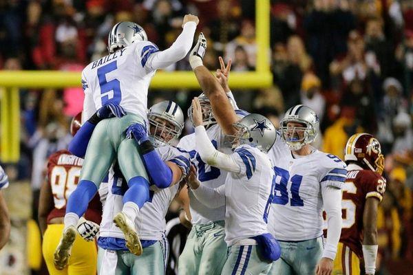 Dallas Cowboys kicker Dan Bailey (5) celebrates