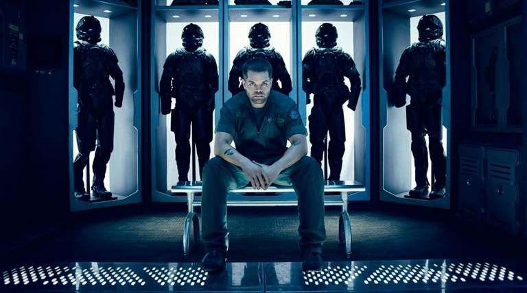 Wes Chatham is space mechanic Amos Burton in