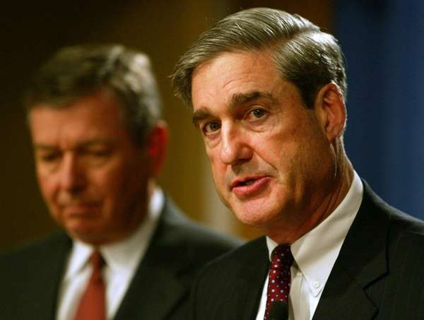 Former F.B.I. Director Robert Mueller, right, and U.S.