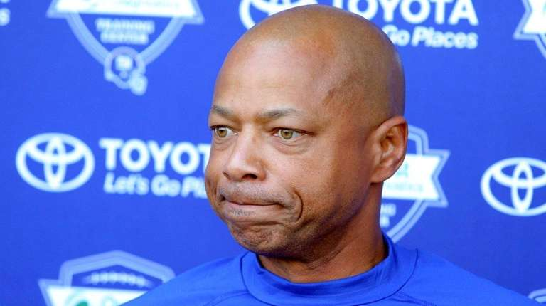 Giants general manager Jerry Reese speaks to the