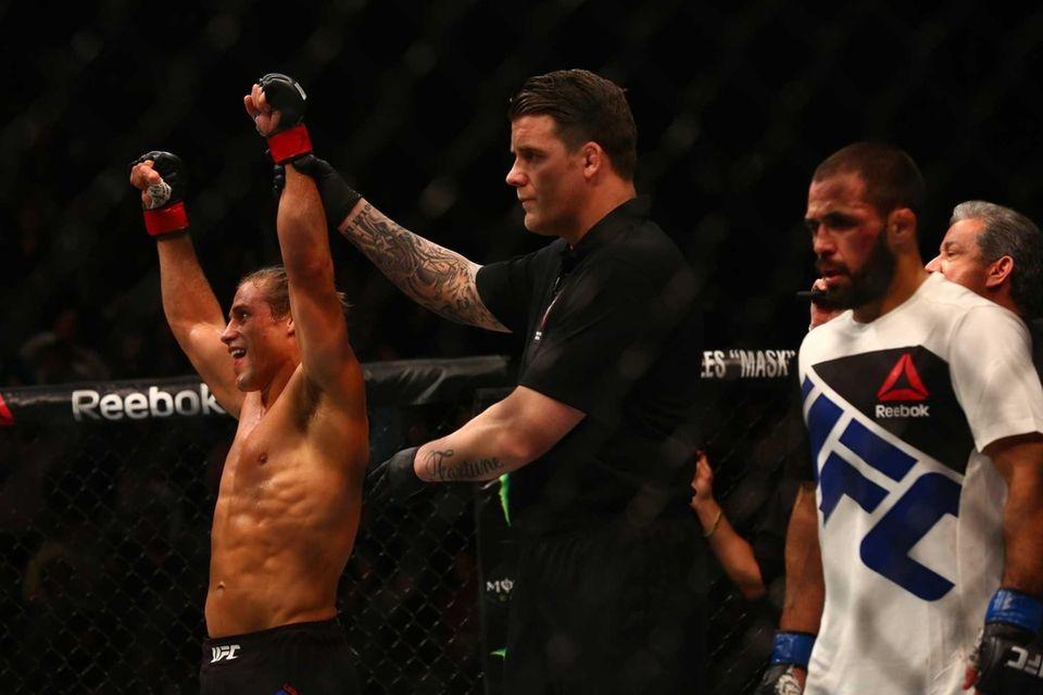 BantamweightUrijah Faber defeatedFrankie Saenz by unanimous decision at
