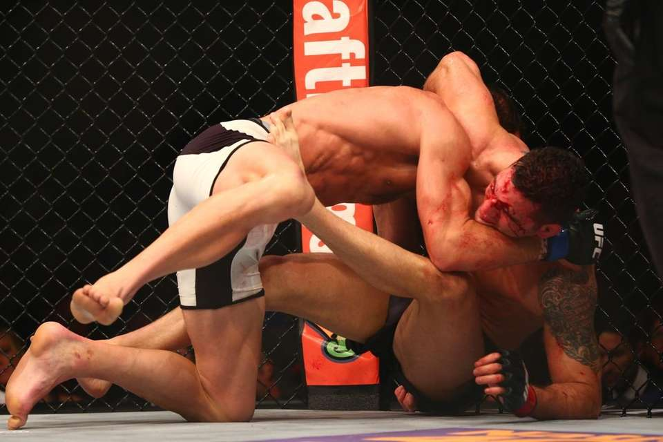 Chris Weidman lost his UFC middleweight title to