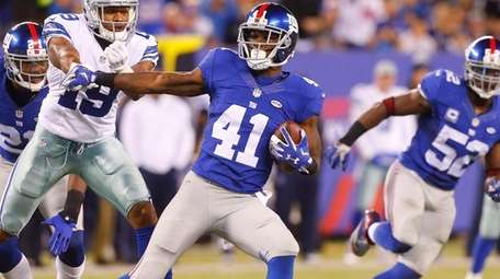 Giants' Dominique Rodgers-Cromartie looks for room to run