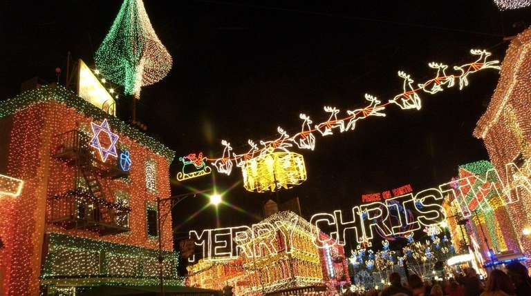 The Osborne Family Spectacle of Dancing Lights is