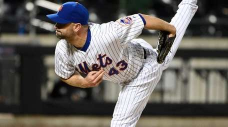 New York Mets relief pitcher Buddy Carlyle