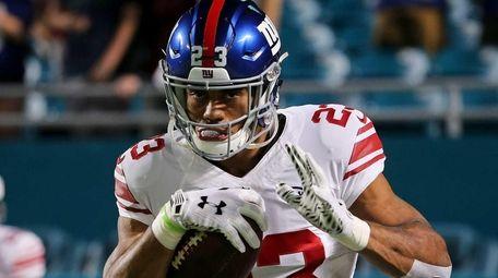 Rashad Jennings of the New York Giants warms