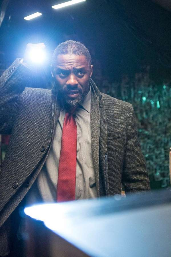 Idris Elba, as DCI John Luther, returns to