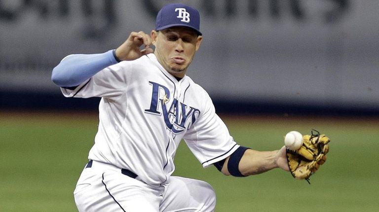 Tampa Bay Rays shortstop Asdrubal Cabrera, left,