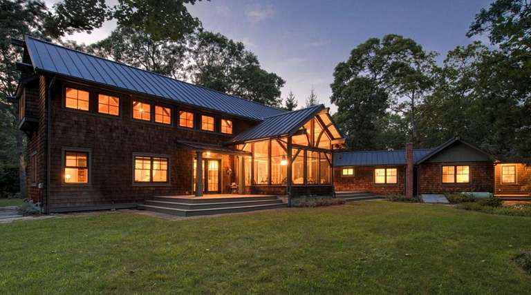 This 2,500-square-foot home in East Quogue is a