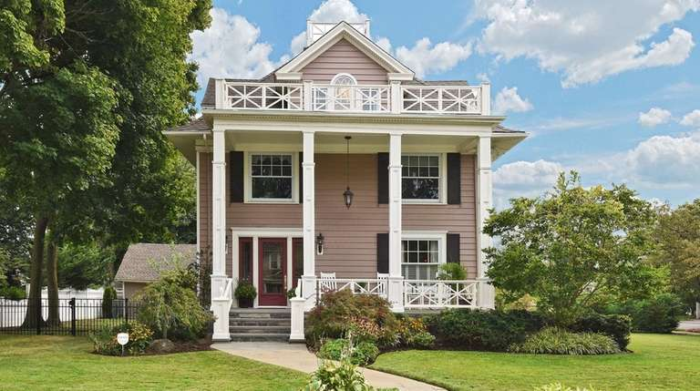 This 1898 Rockville Centre home has five bedrooms.