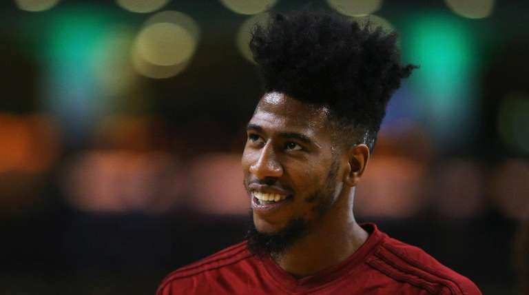 Iman Shumpert #4 of the Cleveland Cavaliers