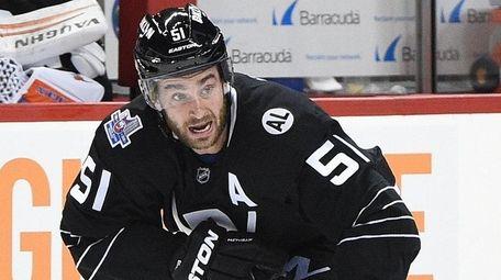 New York Islanders center Frans Nielsen skates
