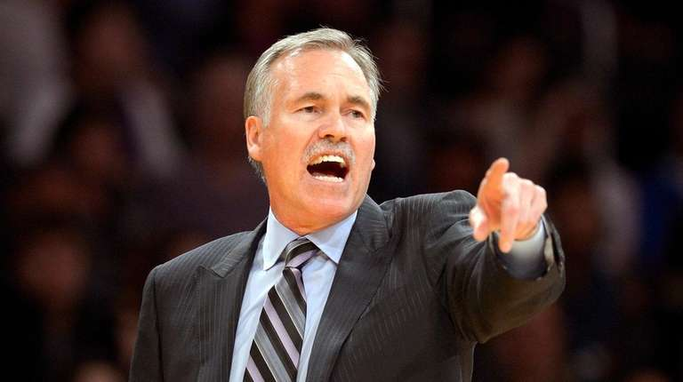 Former Knicks and Lakers head coach Mike D'Antoni