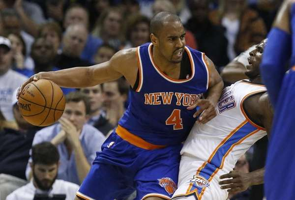 New York Knicks guard Arron Afflalo (4) fouls