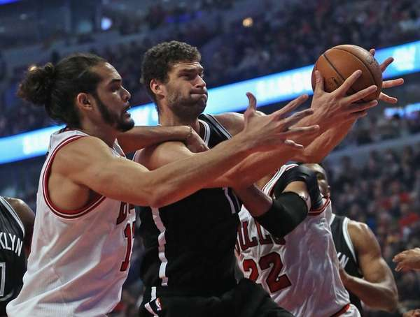 Joakim Noah #13 of the Chicago Bulls and