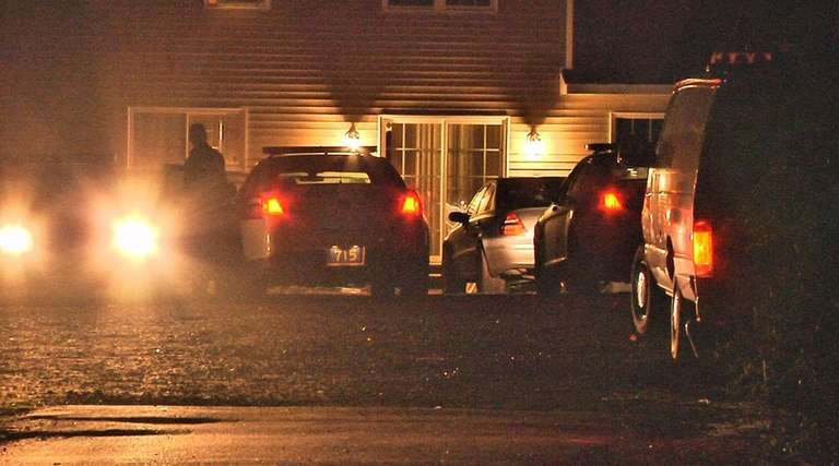Man found shot in car on Poospatuck Reservation in Mastic