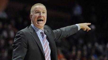 St. John s coach Chris Mullin calls