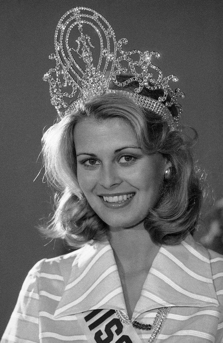 Anne Marie Pohtamo, Miss Universe 1975, at a