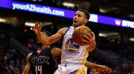 Stephen Curry of the Golden State Warriors earned
