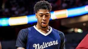 Anthony Davis of the New Orleans Pelicans reacts