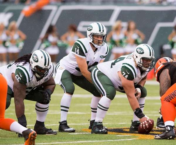 Jets quarterback Ryan Fitzpatrick and center Nick Mangold