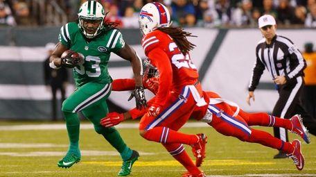 Chris Ivory of the New York Jets runs