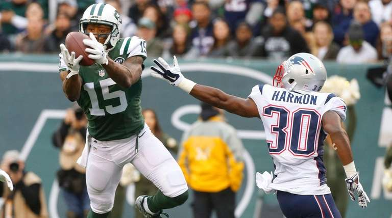 New York Jets wide receiver Brandon Marshall (15)