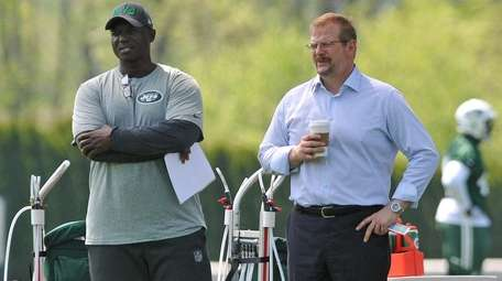 New York Jets head coach Todd Bowles, left,