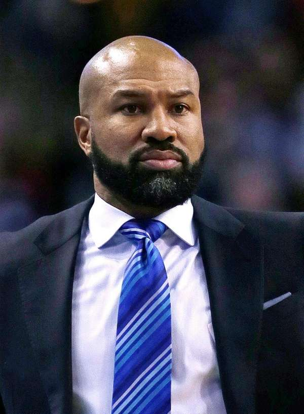 New York Knicks head coach Derek Fisher instructs