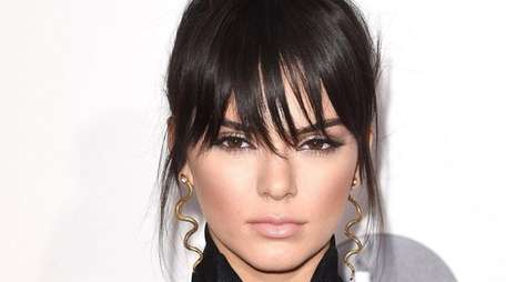 Model Kendall Jenner attends the 2015 American Music