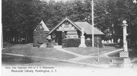 A photo dated 1905, of the Memorial Library
