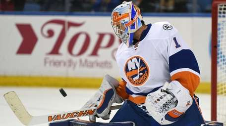 New York Islanders goaltender Thomas Greiss, of Germany,
