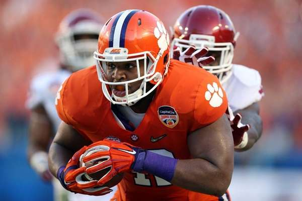 Christian Wilkins, a 315-pound defensive tackle, rumbles