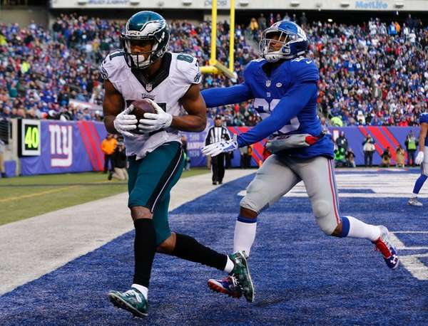 Jordan Matthews of the Philadelphia Eagles catches a