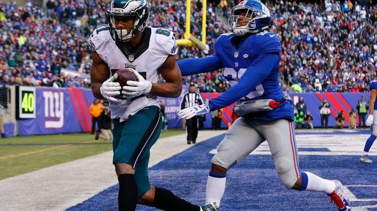 Jordan Matthews of the Philadelphia Eagles catches a