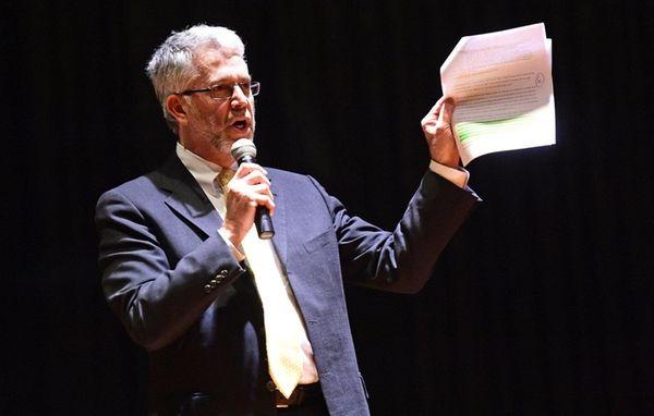 Shoreham-Wading River Central School District Superintendent Steven Cohen