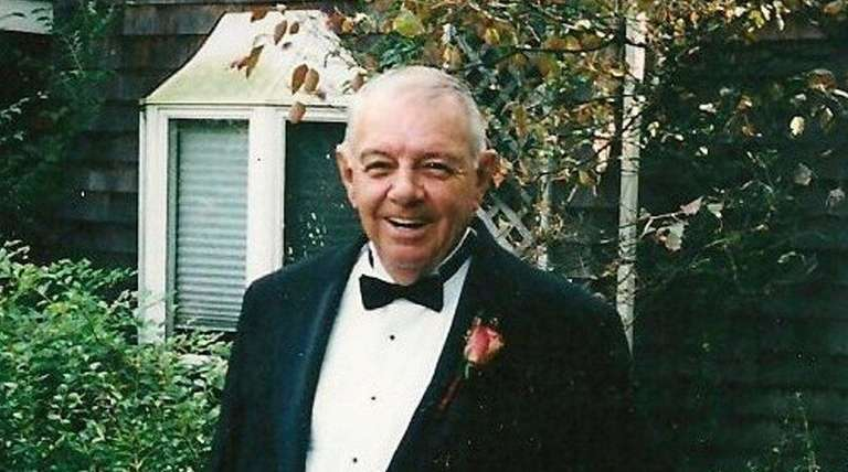Laurence Ford of Patchogue died at 89.