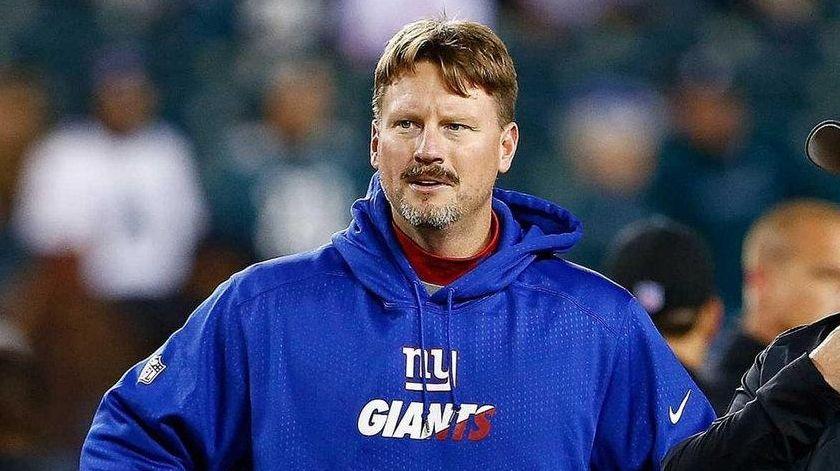 Ben McAdoo talks to former Eagles coach Chip