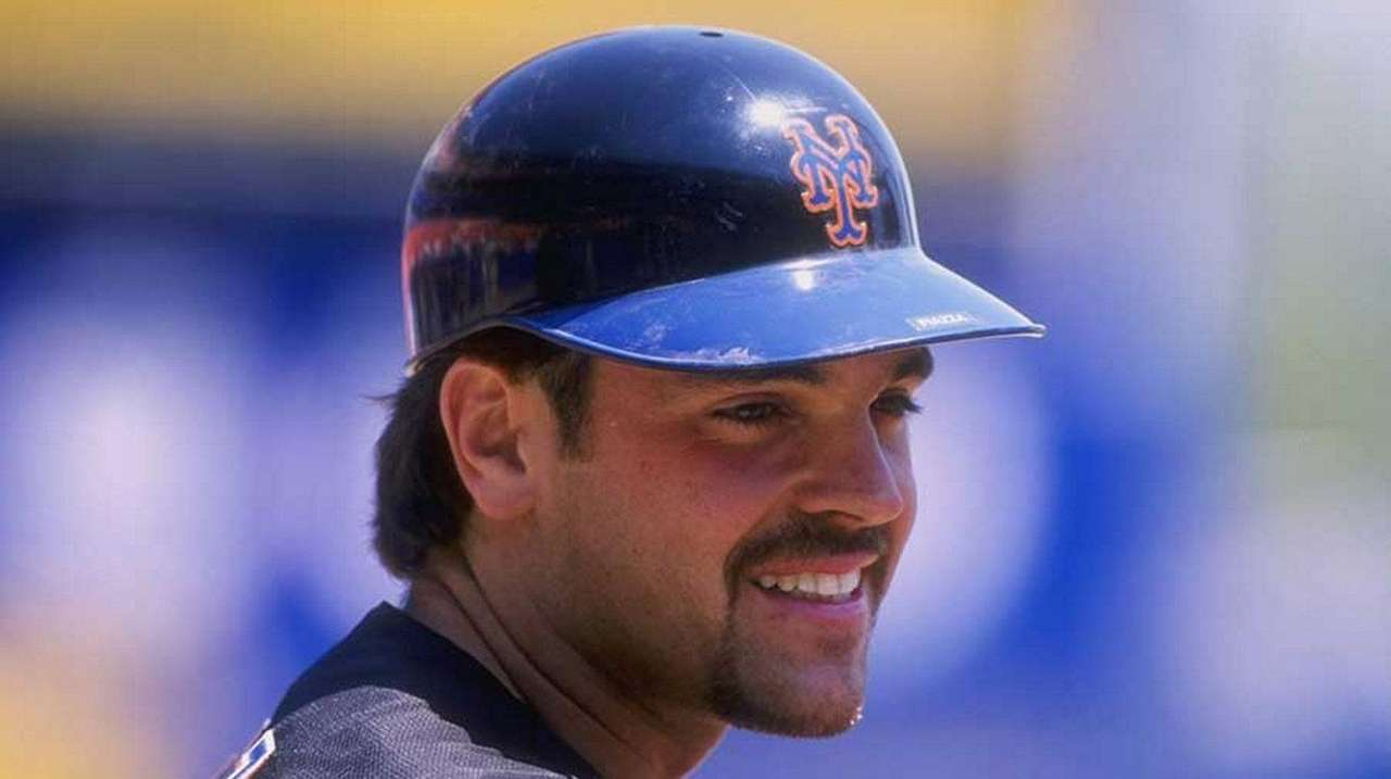 Mike Piazza of the New York Mets during